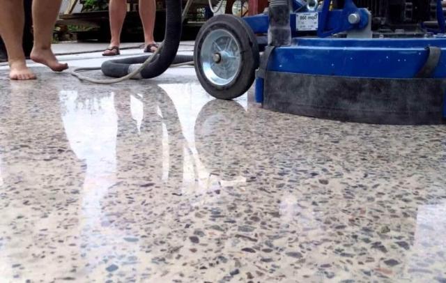Полировка бетона и обеспыливание
